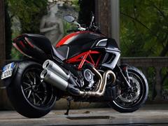 Пазлы онлайн. Картинка №393: Мотоцикл . Размер картинки: 640х480