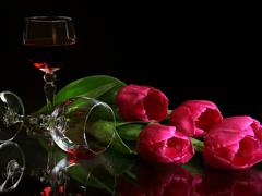 Пазлы онлайн. Картинка №558: Вино и тюльпаны . Размер картинки: 640х480