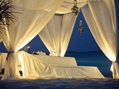 Пазлы онлайн. Картинка №747: Курортная спальня . Размер картинки: 640х480